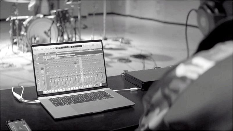Apple introduces 16-inch MacBook Pro, the world's best pro notebook - Apple to bring musicians